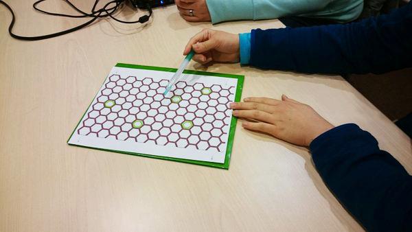 Paper prototype of Hexplosions